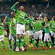 Die Spieler des VfL Wolfsburg genossen ihren Erfolg in vollen Zügen.