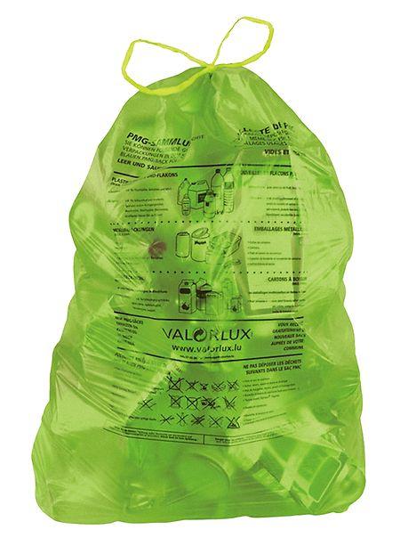 """Ein Pilotprojekt für die Gemeinden Mertert und Stadtbredimus: Statt der blauen Säcke werden ab April """"gréng Tuuten"""" eingeführt. In diese Säcke können zusätzlich Kunststofffolien und Plastiktüten gefüllt werden."""