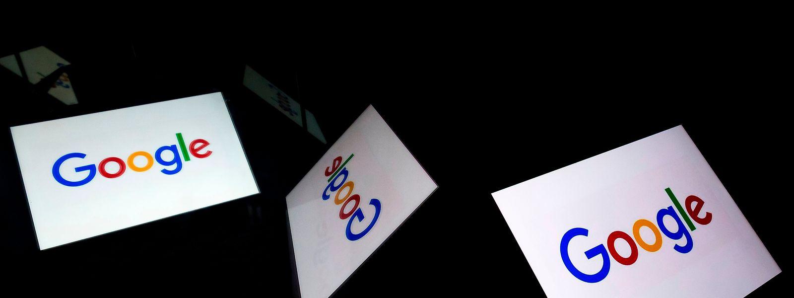 Resultado de imagem para Google admite que grava e ouve conversas dos utilizadores