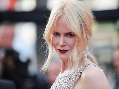 Australian-US actress Nicole Kidman poses as she arrives on May 24, 2017 for the screening of the film 'The Beguiled' at the 70th edition of the Cannes Film Festival in Cannes, southern France.  / AFP PHOTO / Valery HACHE