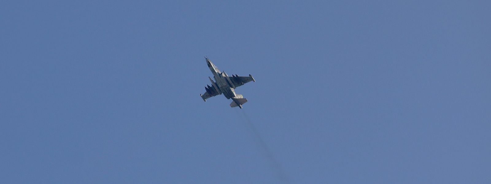 Ein Flugzeug des Typs Sukhoi-25 wurde in der syrischen Provinz Idlib abgeschossen.