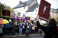 Luxtimes,Lokales,Apo.Manifestation gegen Abtreibungsgesetz in Polen,vor der polnischen Botschaft in Limpertsberg.Foto: Gerry Huberty/Luxemburger Wort
