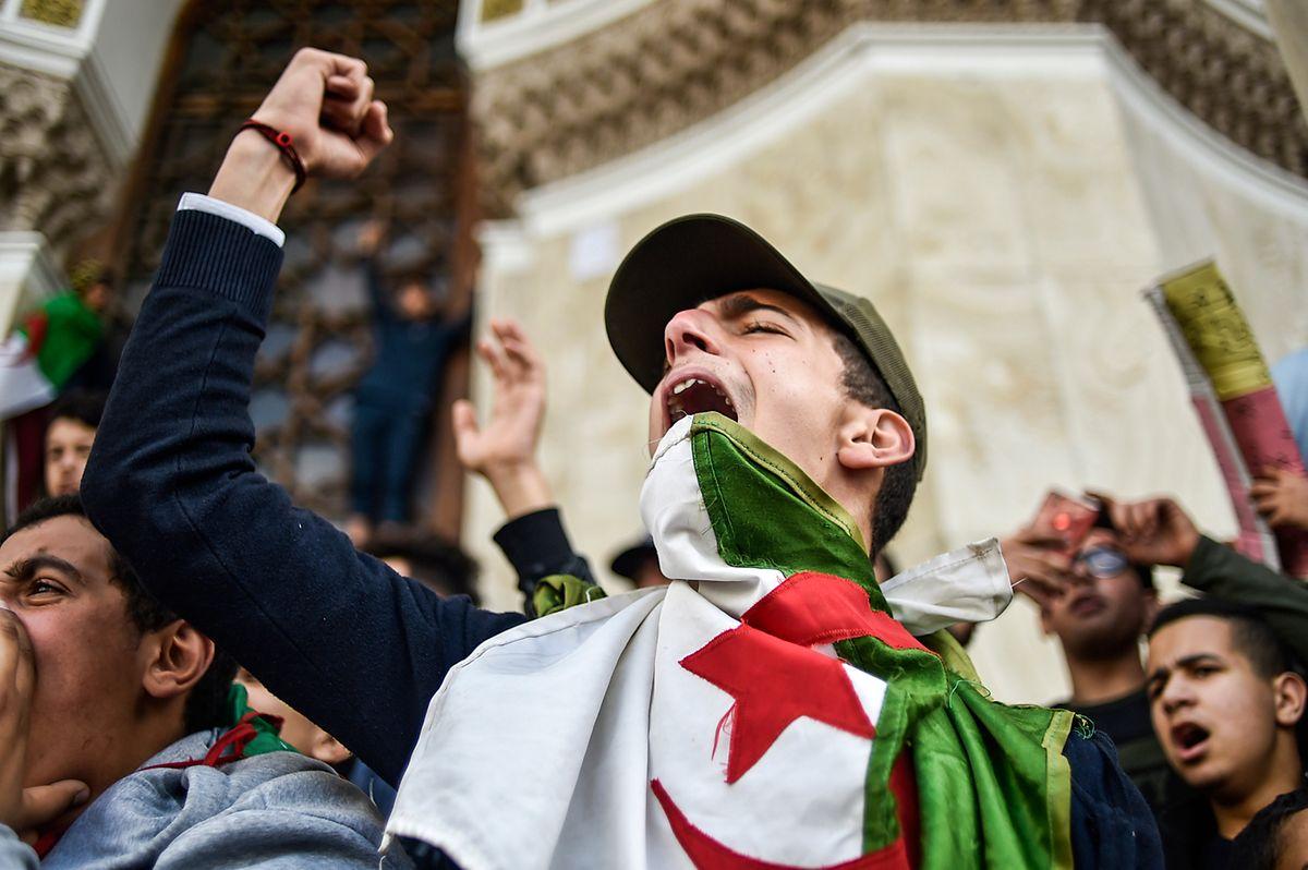 Algiers wird seit Wochen von Demonstrationen in Atem gehalten.