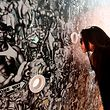"""Viel zu sehen in Mailand: Installation """"Peep Show Wallpapers"""" während der """"Fuorisalone"""" Design Week 2019 im Stadtteil Tortona."""