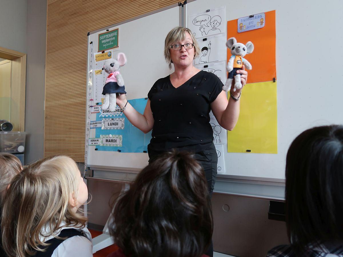 Sabrina Liégeois, institutrice en grande section maternelle: «Mes mascottes apportent toujours aux enfants les livres en rapport avec les thèmes. Cette année le projet d'année de la classe sera la découverte des quatre saisons.»