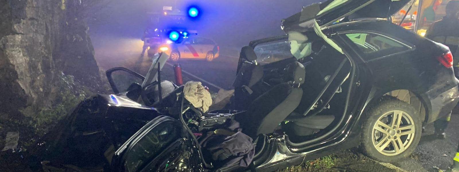 Der Wagen wurde bei dem Unfall komplett zerstört.
