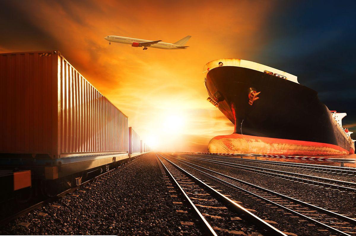 Der Zug sei zwischen dem relativ teuren und schnellen Flugzeug und dem relativ günstigen aber langsamen Schiff anzusiedeln, heiß es bei CFL Multimodal.