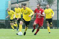 FLF Fussball Meisterschaft BGL Ligue Spielzeit 2020-2021 zwischen dem F91 Dudelingen und der Victoria Rosport am 27.09.2020  Edvin MURATOVIC (9 F91) und Gabriel GASPAR (11 ROSPORT)