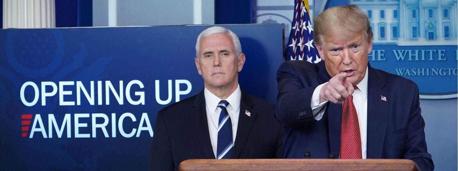 US-Präsident Donald Trump und Vizepräsident Mike Pence während einer Pressekonferenz im Weißen Haus.