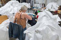 Wirtschaft, Handwerksunternehmen gehen kreativ mit Krise um: Schneiderei Eva Ferranti, Foto: Lex Kleren/Luxemburger Wort