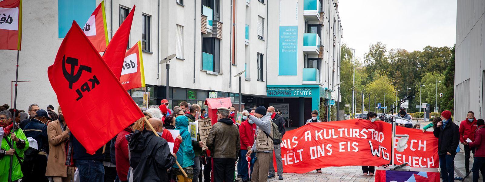 Die Protestaktion hat am Samstag beim Friedensgericht stattgefunden.