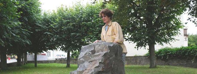 Zwei Felsblöcke, vier Wochen Arbeit: Birgit Knappe zieht eine positive Bilanz ihrer Wiltzer Residenz.