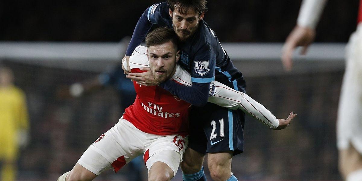 David Silva ceinture Aaron Ramsey, mais Arsenal était inarrêtable ce lundi soir