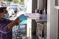 Wirtschaft, Restaurants, Cafés: wie ist die Lage? Klage, warum sie erst am 1. Juni öffnen dürfen, Take Away Restaurant Partigiano, Foto: Lex Kleren/Luxemburger Wort