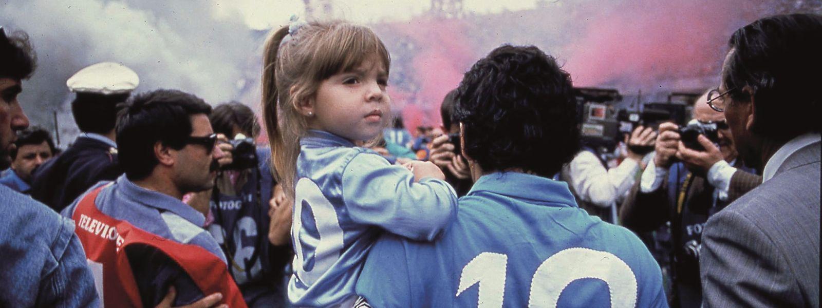 Beim SCC Neapel stieg die Nummer 10, Diego Maradona, zum Fußballgott auf - und fiel tief.