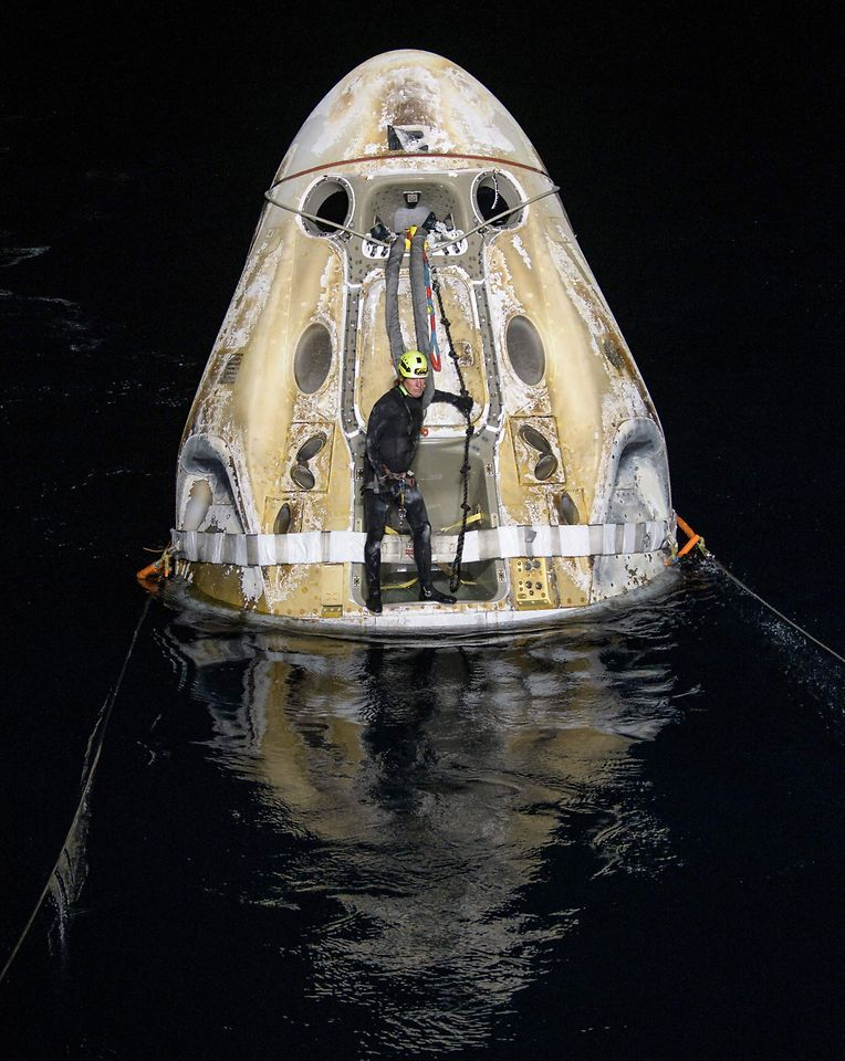 Die Kapsel nach der Landung.