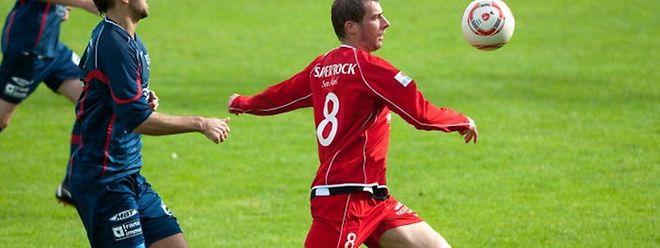 Claudio Lombardelli (n°8, en rouge) effectuera ses grands débuts comme coach chez les Seniors à Noertzange dès la saison prochaine