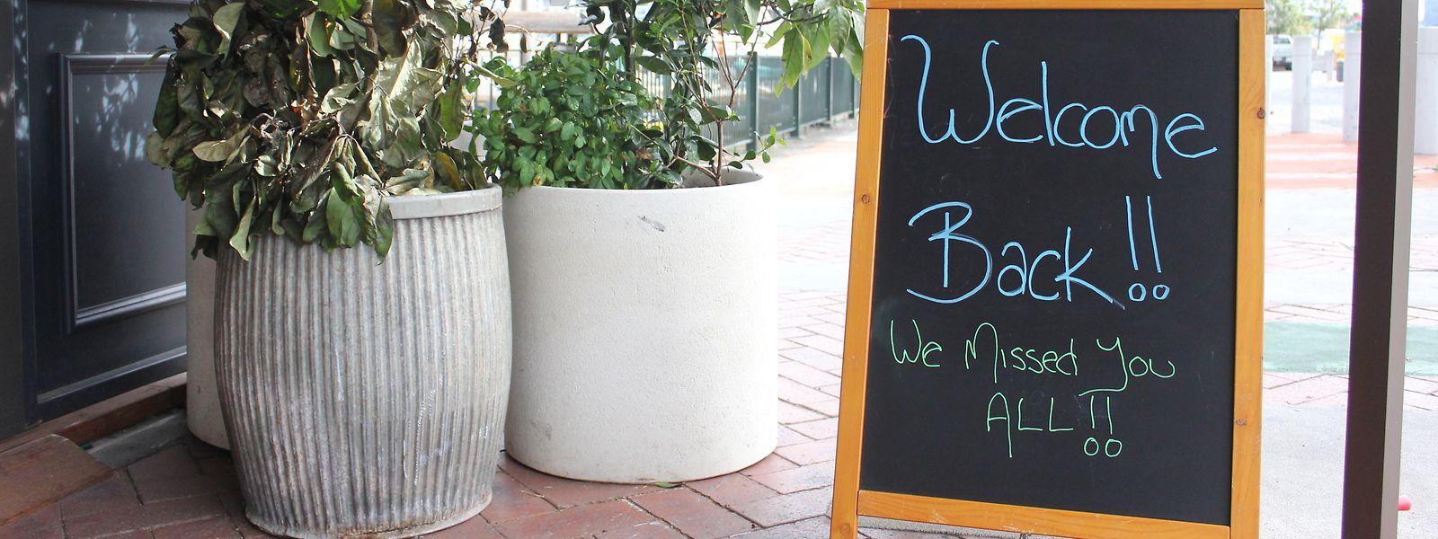 Nach der langen Durststrecke sehnen sich Cafés und Geschäfte nach der Rückkehr der Kundschaft.