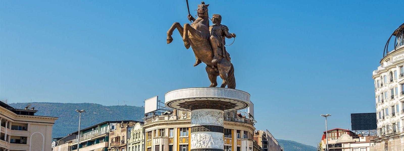 """""""Der Krieger auf dem Pferd"""" in Skopje ist ein Symbol des herrschenden Nationalismus der Mazedonier unter Premier Nikola Gruevski, der von 2006 bis 2016 regierte."""
