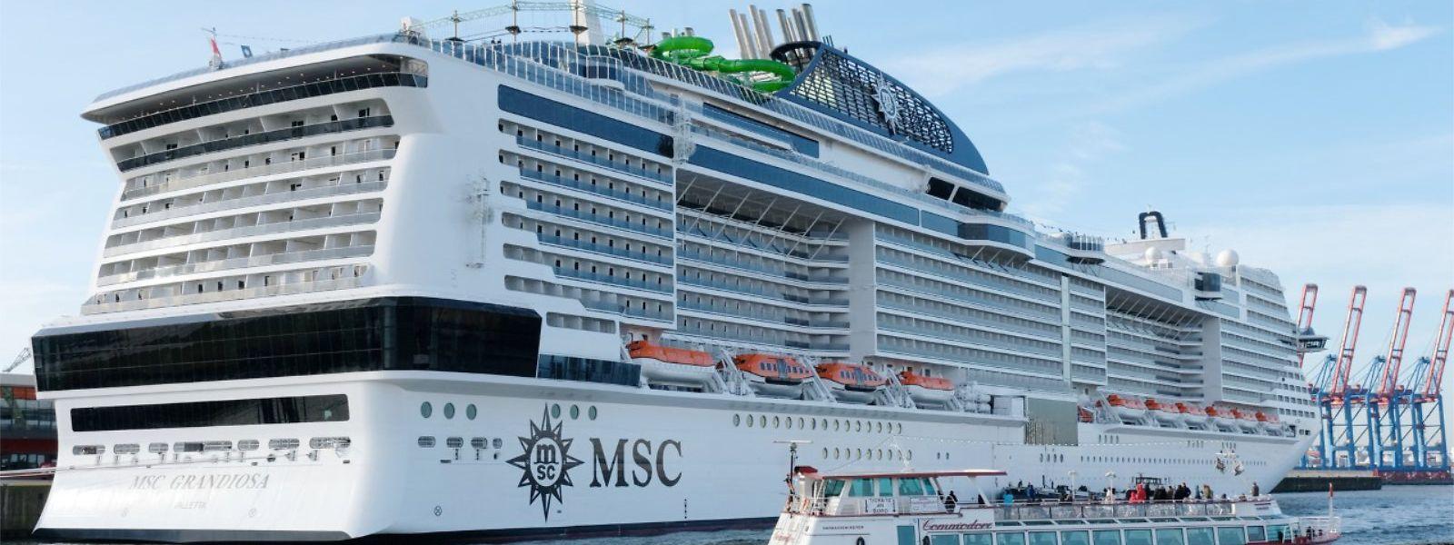 Der deutsche Kreuzfahrtenmarkt ist hart umkämpft. Im Hamburger Hafen zeigte die Reederei MSC am zweiten November-Wochenende Flagge. Die Taufe des neuen Schiffes wurde als Großereignis inszeniert.