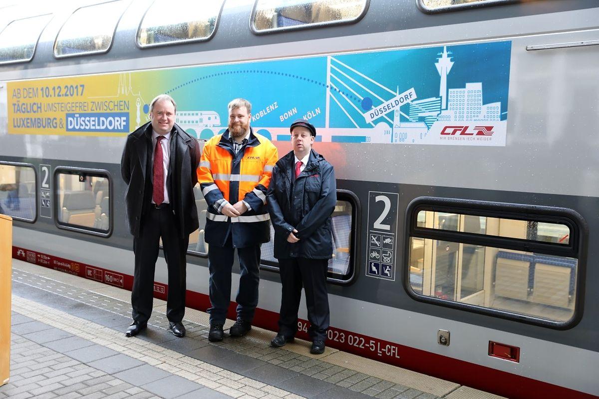 Bei der Premierenfahrt dabei waren CFL-Direktor Marc Hoffmann, Zugfahrer Nico Kleer und Zugführer Eric Wengler (v.l.n.r.).