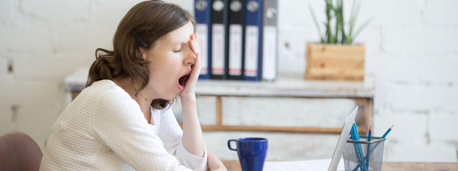 Le confinement forcé à la maison peut générer dépression, anxiété et irritabilité chez certaines personnes.