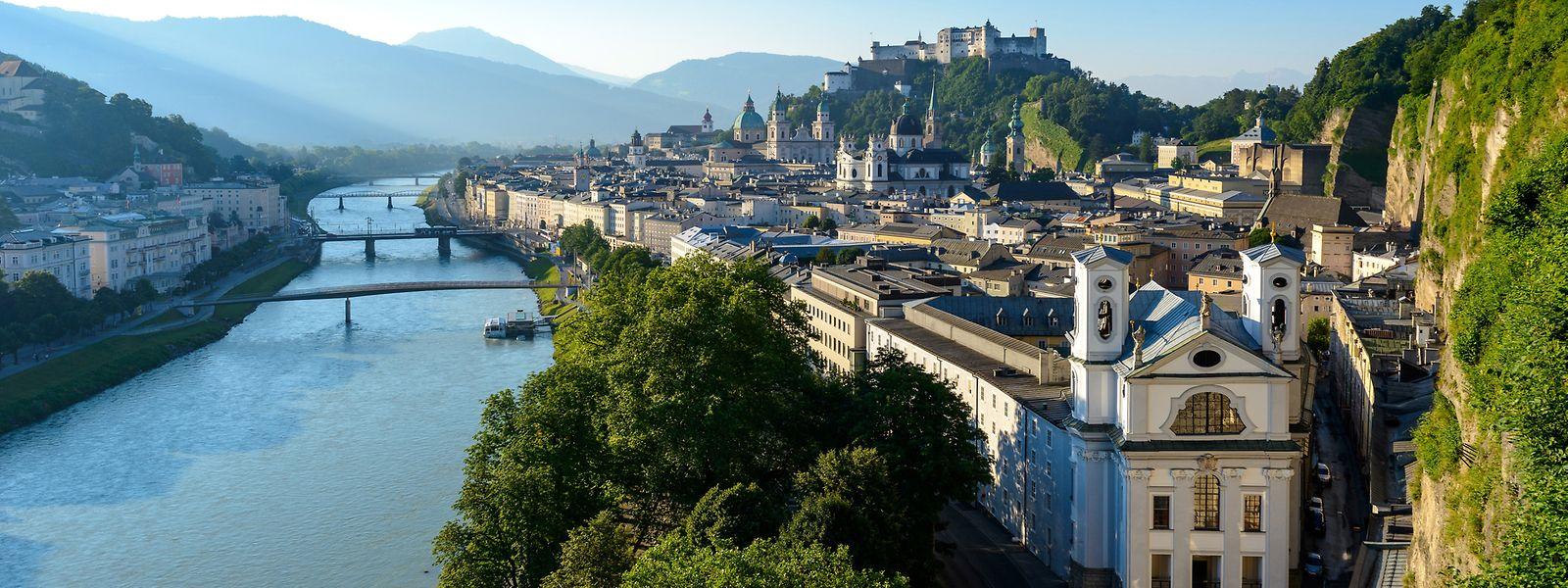 """""""Lonely Planet"""" kürt Salzburg - hier der Blick vom Mönchsberg über die Altstadt - zur Top-Reisestadt 2020."""