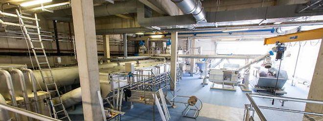 In der Kläranlage gibt es keine offenen Becken, die Bakterien verrichten ihr Werk in geschlossenen Behältern.