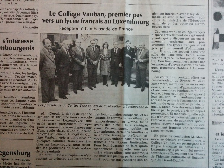 """Une classe de 6e et une quinzaine d'élèves dans une salle du lycée technique du Centre: le collège Vauban, lancé par quelques familles françaises installées à Luxembourg, fait sa première rentrée en 1984. Le Luxemburger Wort parle alors d'un """"premier pas vers un lycée français"""""""
