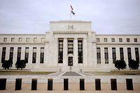 ARCHIV - 22.01.2008, USA, Washington: Das Gebäude der US-Notenbank Federal Reserve (Fed). Eine erneute Erhöhung der US-Leitzinsen ist an den Finanzmärkten fest eingeplant, doch Anleger warten mit Spannung auf Hinweise der Notenbank Fed zur weiteren Geldpolitik. Foto: Matthew Cavanaugh/EPA FILE/dpa +++ dpa-Bildfunk +++