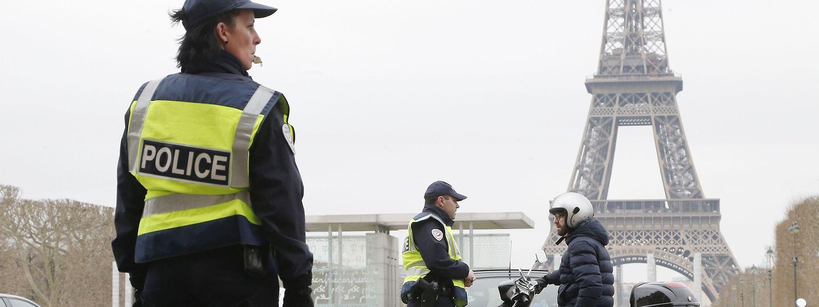 Innenminister Bernard Cazeneuve sprach von einer Anti-Terror-Aktion.