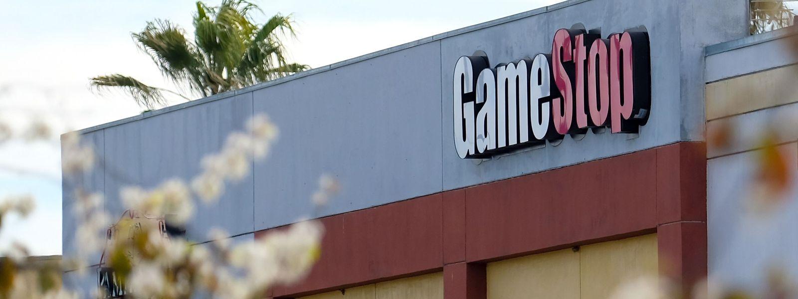 Der Videospielhändler Gamestop, der im Januar durch extreme Kurskapriolen am Finanzmarkt für Aufsehen sorgte, muss sich einen neuen Finanzvorstand suchen.