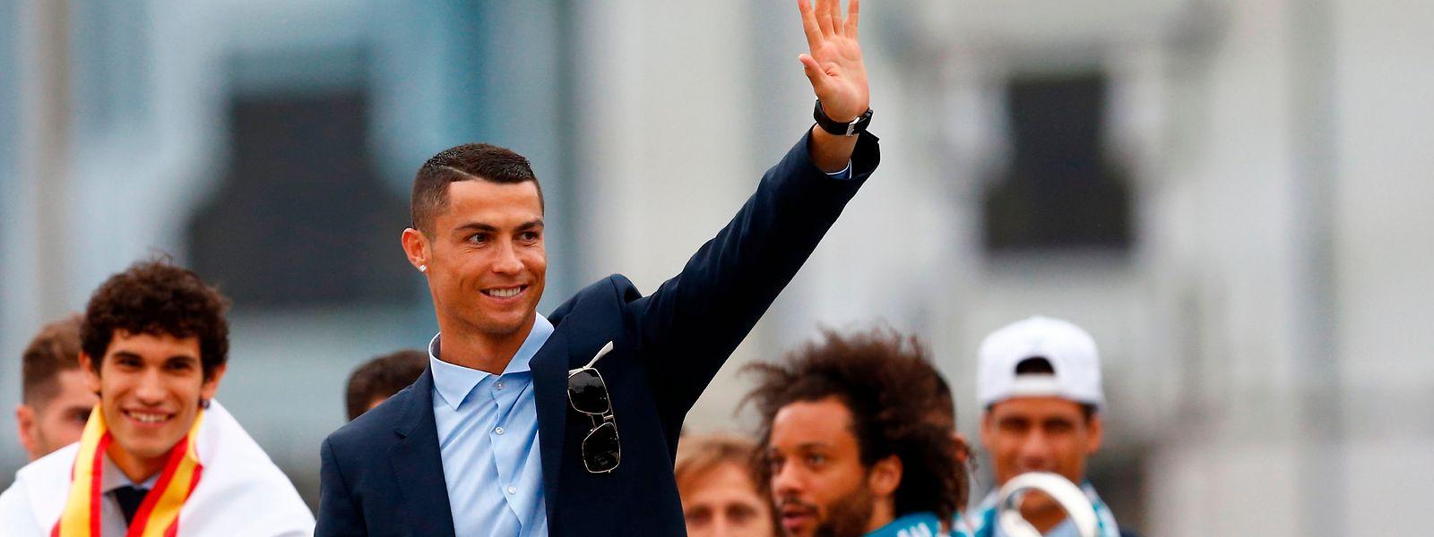 Cristiano Ronaldo despede-se do Real com estatuto de inigualável na imprensa espanhola.