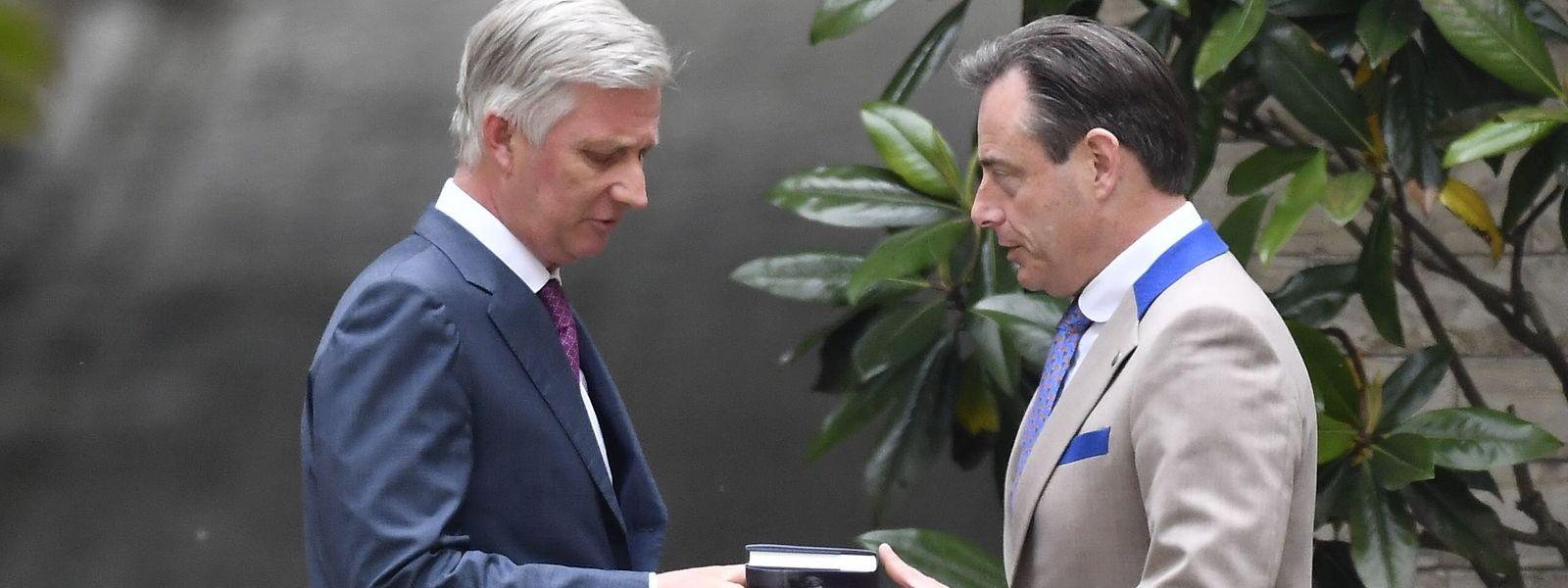 L'attribution du poste de Premier ministre pourrait servir à calmer la Flandre avec, par exemple, la nomination du socialiste francophone Paul Magnette qui représente la première famille politique au plan national.
