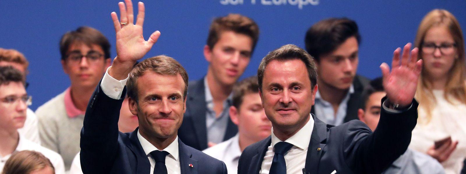Emmanuel Macron et Xavier Bettel se sont montrés complices et complémentaires dans leurs réponses aux questions des citoyens sur l'Europe et les dissonances entre pays européens.