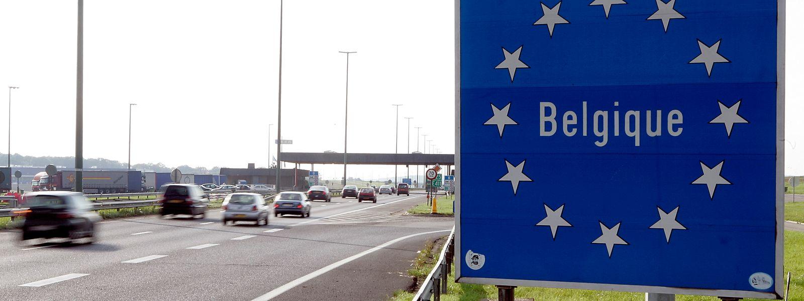 Jean Asselborn (LSAP) a déclaré mercredi soir que  «les frontaliers sont exemptés» de cette mesure