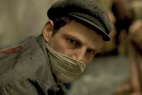 """Nemes' """"Son of Saul"""" (2015) zeigt den Holocaust mit einer die Grenzen des Erträglichen weit überschreitenden Intensität."""