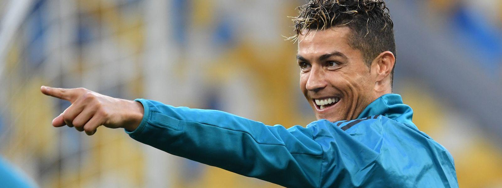 Cristiano Ronaldo durante o treino do Real Madrid, em Kiev.