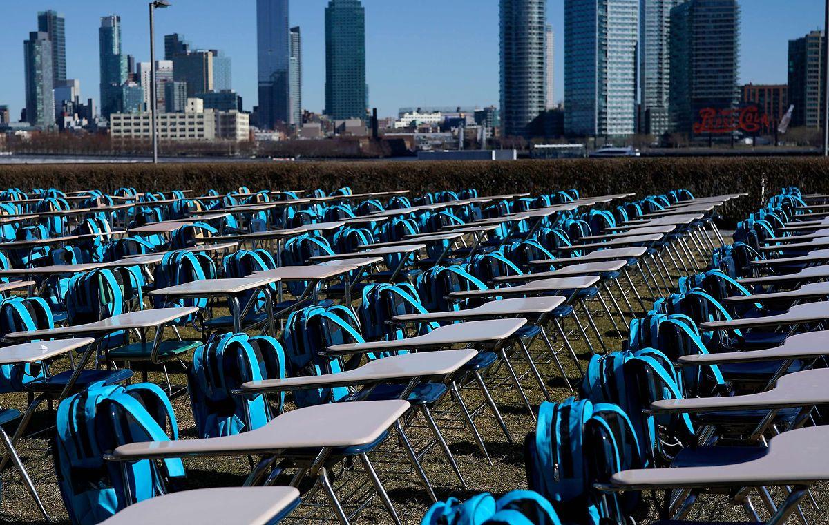 """Mit der Installation """"Pandemic Classroom"""" in New York macht Unicef auf den Notstand im Schulwesen aufmerksam."""