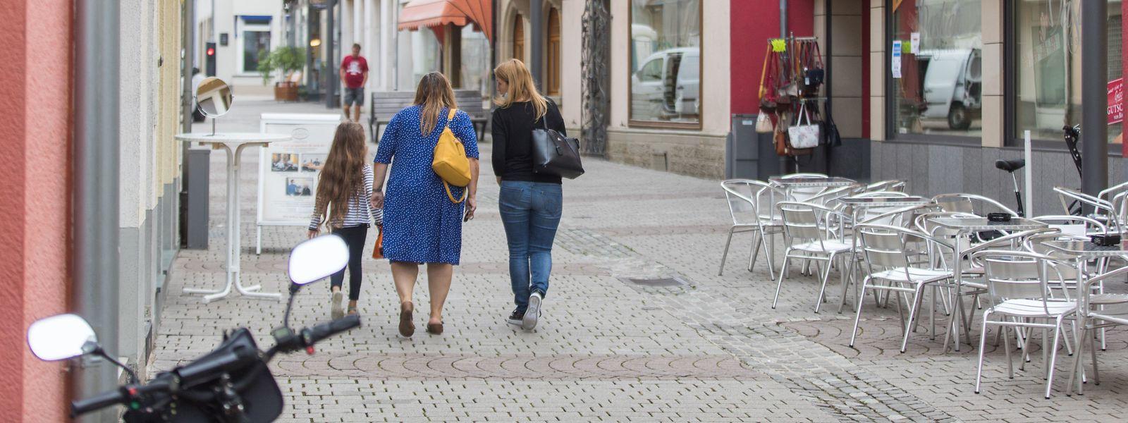 Nach dem Lockdown ist wieder Leben in die Fußgängerzone von Grevenmacher eingekehrt.