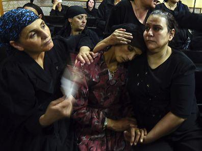 Plus de 24 heures plus tard, l'émotion est palpable samedi dans la cathédrale de Mar Morcos (Saint Marc) de la petite ville de Bani Mazar, dans la province centrale de Minya.