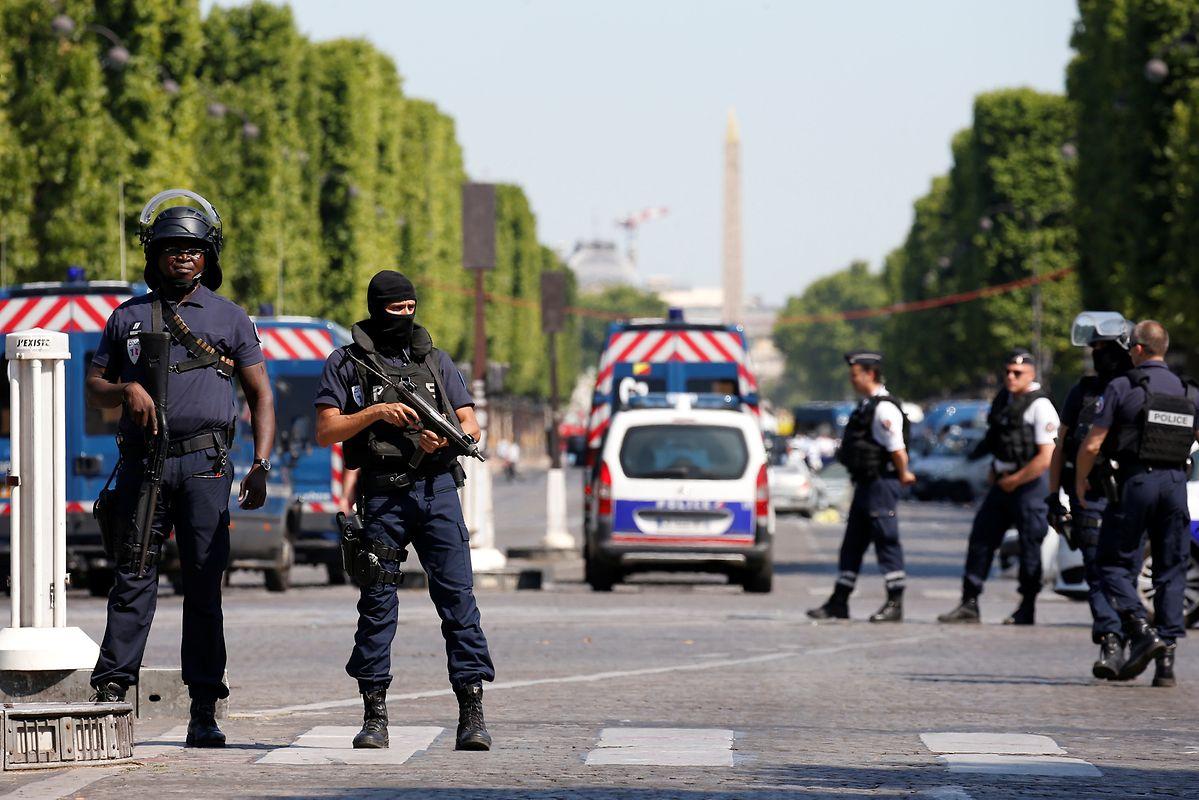 Die Champs Elysées wurden nach dem Zwischenfall hermetisch abgeriegelt.
