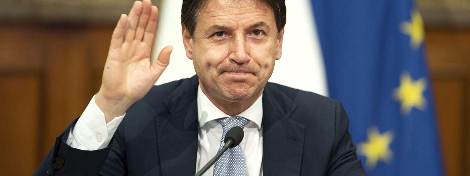 Die Regierung teilte am Montag mit, dass Conte um neun Uhr morgens das Kabinett zusammenrufen wolle.