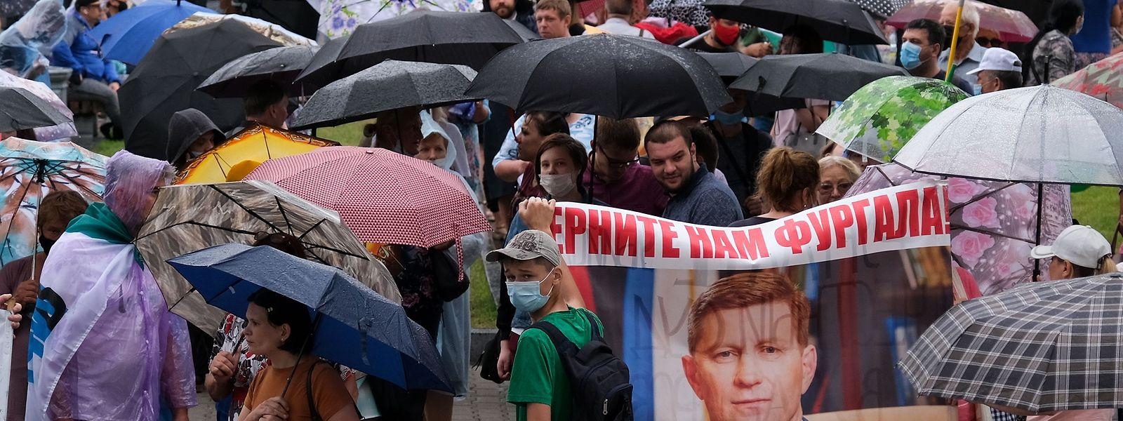 Die Proteste in Chabarowsk reißen nicht ab. Seit Wochen fordern die Demonstranten die Freilassung des verhafteten Gouverneurs Sergei Furgal.