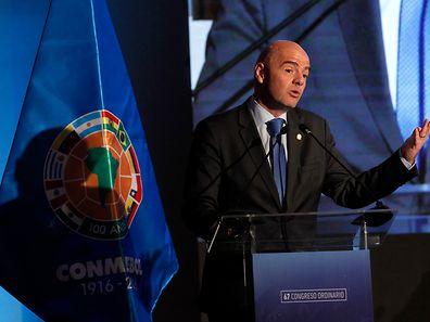 FIFA-Präsident Gianni Infantino sprach in Santiago de Chile über den Videobeweis.