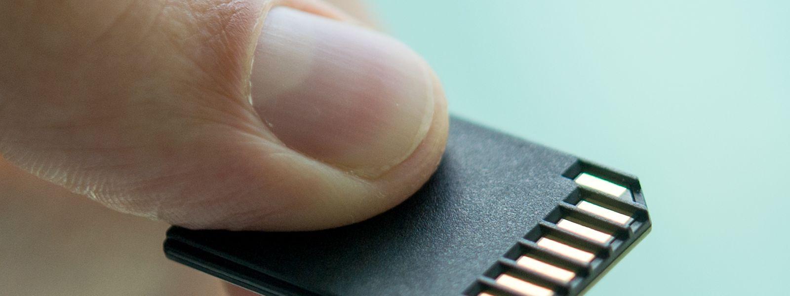 Kaum daumengroß passt die SD-Karte in jedesGepäck.
