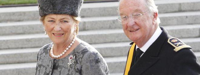 Albert und seine Gattin Paola bei der Hochzeit von Prinz Guillaume und Stéphanie in Luxemburg.