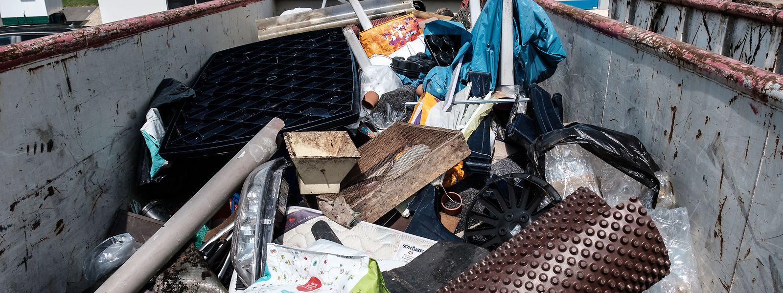 In den Müllcontainern landen nach wie vor riesige Mengen Plastik.