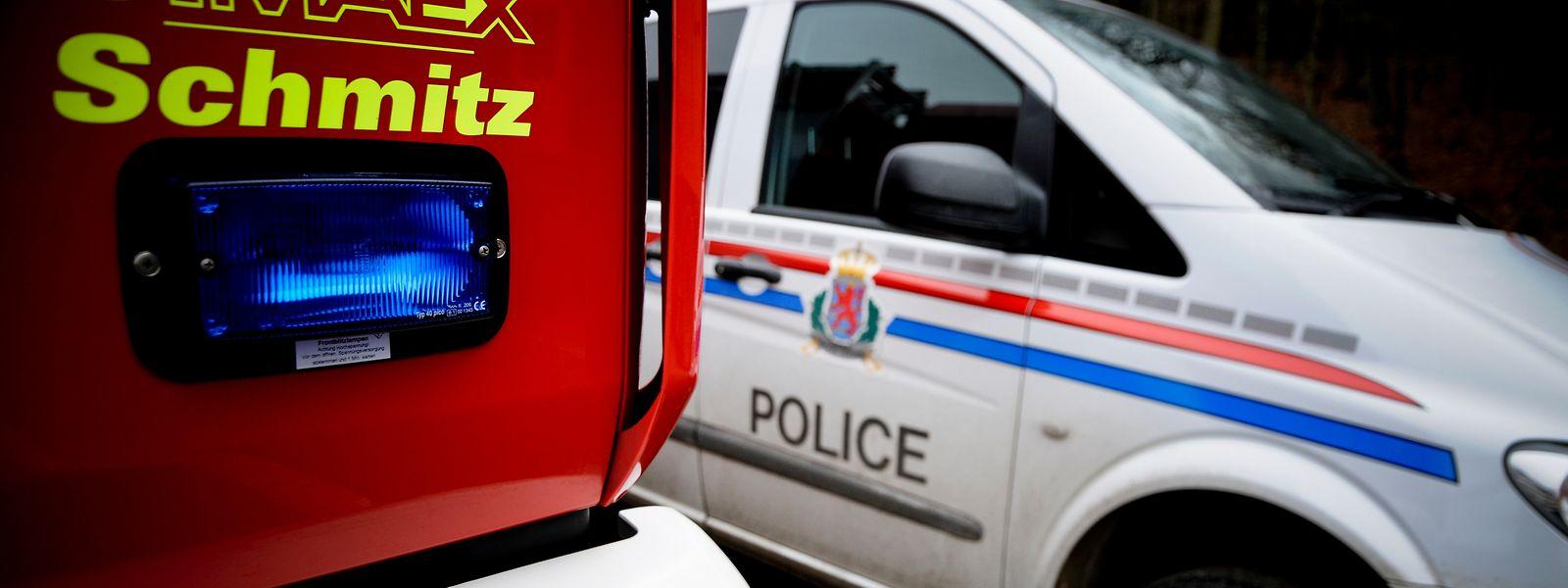 Die Feuerwehr musste mit schwerem Atemschutz in das Gebäude, um den Brand zu löschen.