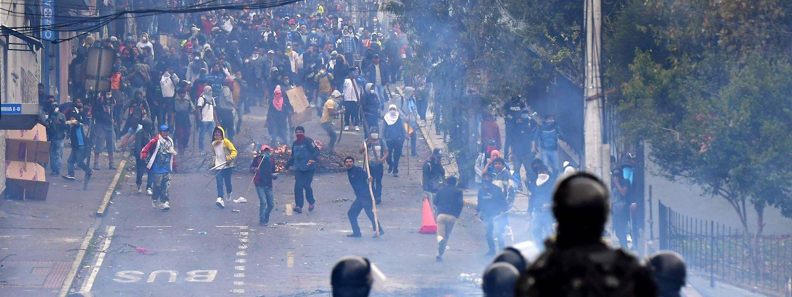 Ausschreitungen in den Straßen Quitos.